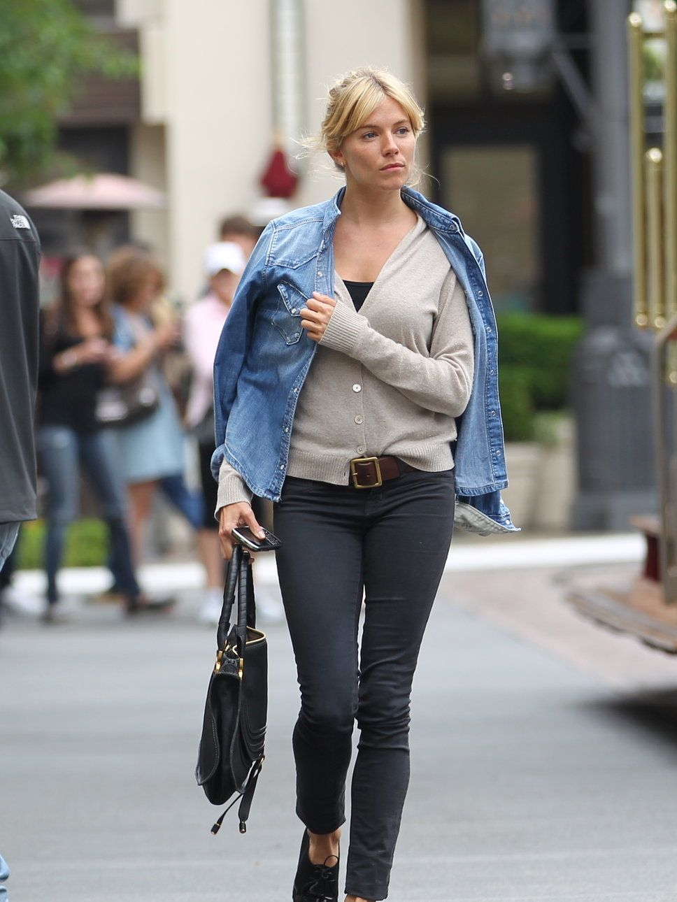 Sienna miller fashionable celebs pinterest sienna miller tomboy style and gray pants Sienna miller fashion style tumblr