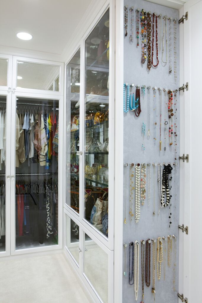 Dropbox Lacd Maize Mar06 12 1638 Jpg Closet Decor Jewelry Closet Closet Inspiration