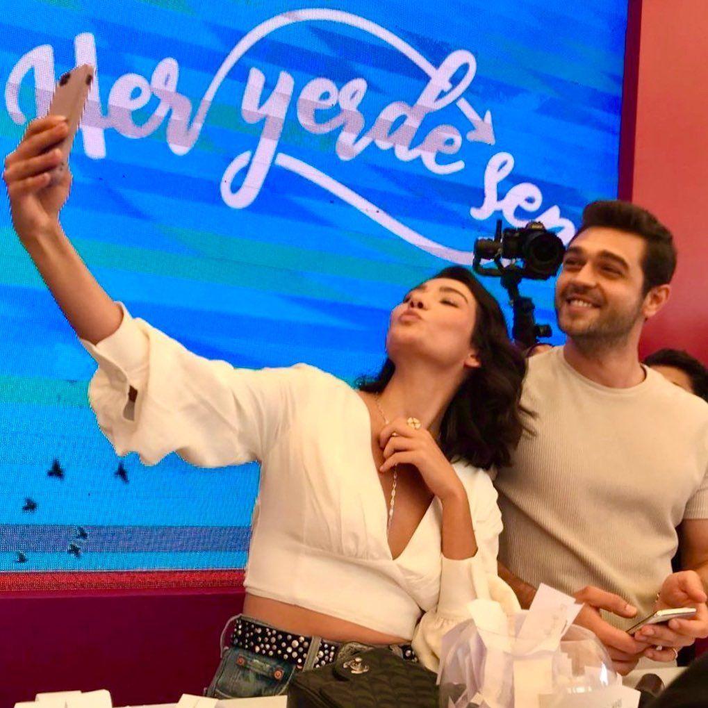 Her Yerde Sen On Instagram Seldem Oyyy Benim Kuzularima Bak Nasil Da Guzelsiniz فورکان و Turkish Film Turkish Actors Actors Actresses
