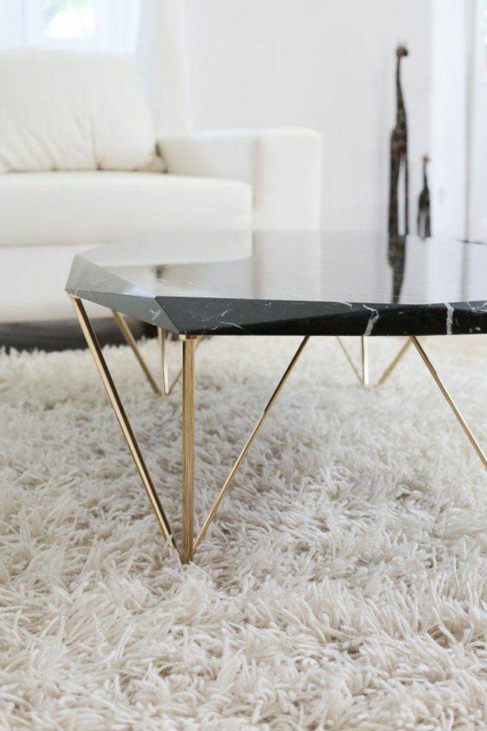 Table basse en marbre - 58 idées pour donner du style au salon - Archzine.fr #wanddekowohnzimmer