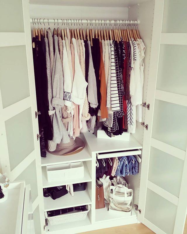 Ein Teil meines Kleiderschrankes Ich liebe das Pax-System von Ikea