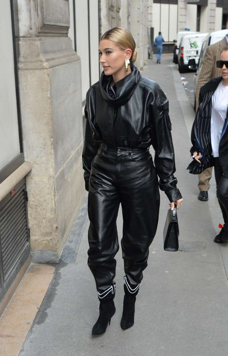 Hailey Baldwin Arriving to Louis Vuitton Fitting in