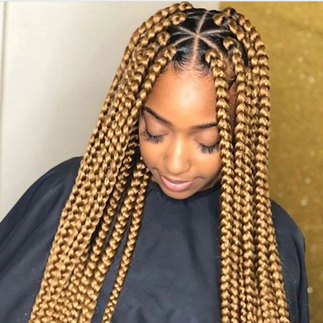 Do you like triangle parts or boxes 🤩 ️ Box braids