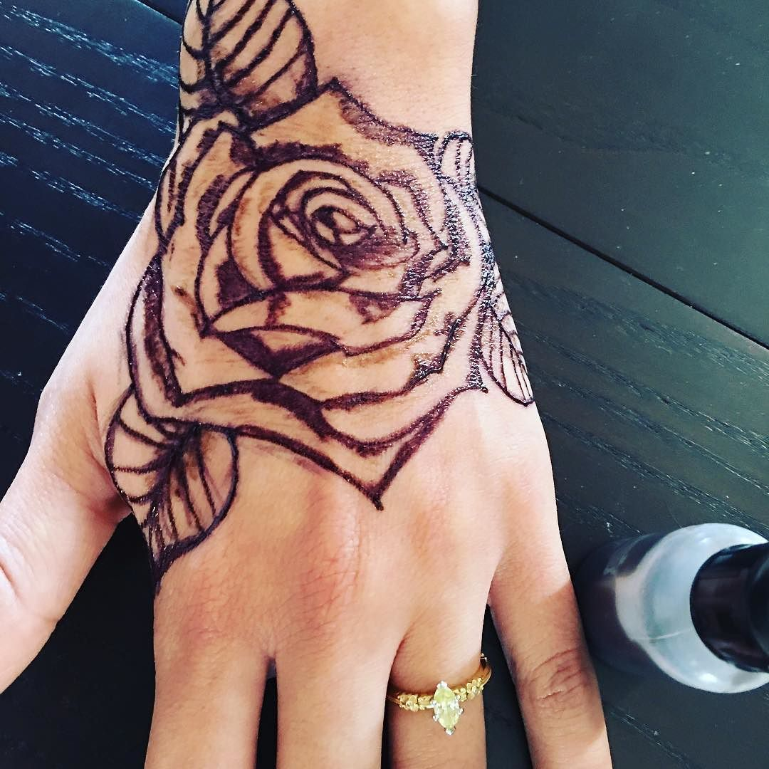 25 Magnificent Henna Cuff Designs For Inspiration: Jagua Rose @freshjagua #jagua #henna #rose #rosetattoo