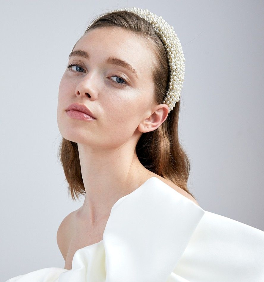 The Bailey Headband brings the WOWfactor to any look
