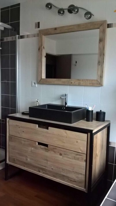 meuble salle de bain en bois de r cup ration et m tal au. Black Bedroom Furniture Sets. Home Design Ideas