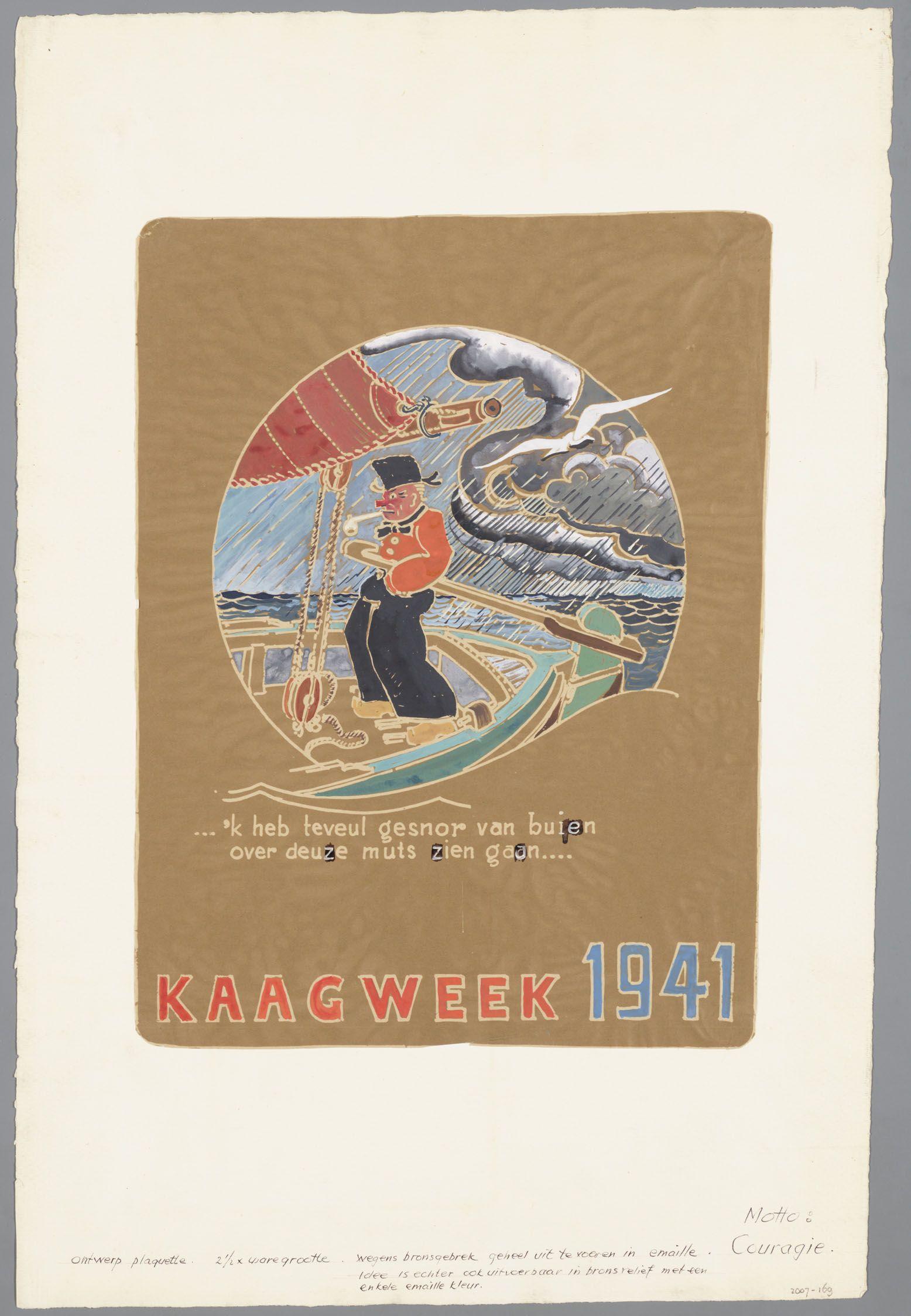 Ontwerptekening voor een plaquette voor de Kaagweek van 1941. Volgens een mededeling op de tekening uit te voeren in bronskleurig emaille vanwege het bronsgebrek. Op de plaquette is er een afbeelding van een visser in klederdracht in de regen aan het roer van een botter met als tekst:'k heb teveul gesnor van buiten over deuze muts zien gaan...'. #NoordHolland #Volendam