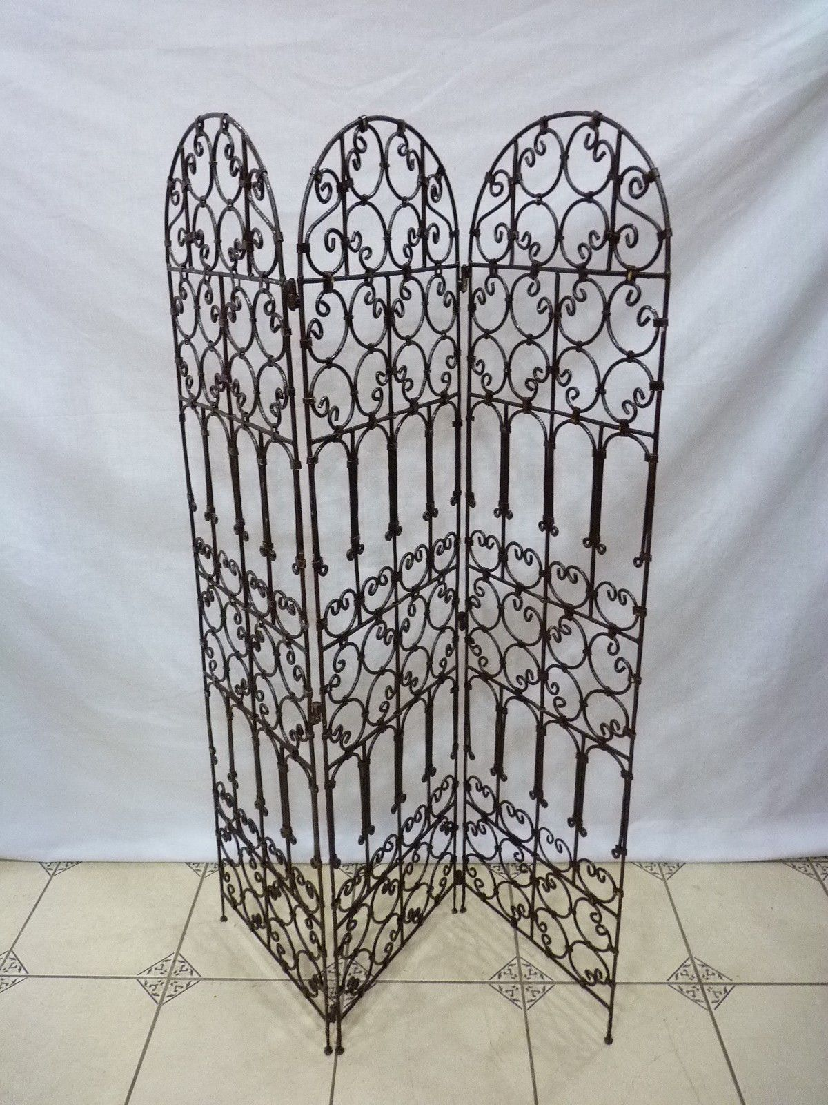 salon marocain hannach paravent fer forger arabesque pinterest screens. Black Bedroom Furniture Sets. Home Design Ideas