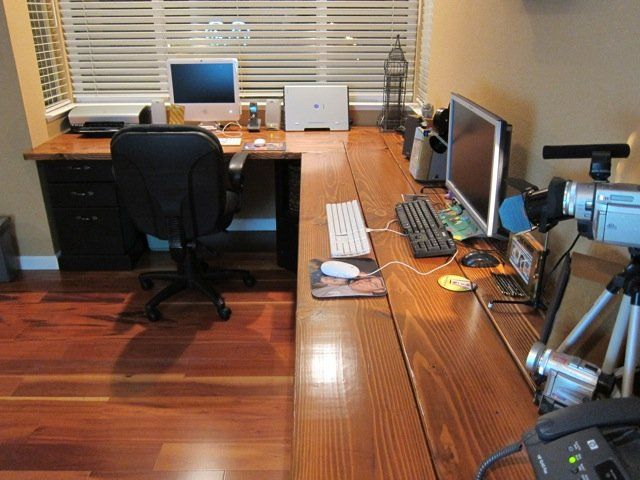 Diy Corner Computer Desk For Those Of You Who Like To Play Games And Want To Find Interesting Tmapilan Diy Corner Desk File Cabinet Desk Computer Desk Plans Corner desk with filing cabinets