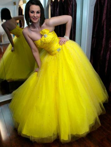Funky formal: Prom dress styles vary for Southeast Texas teens ...