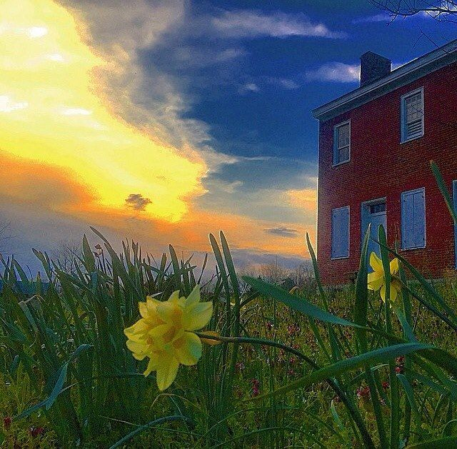 Beautiful photo of The Gordon House, a home on the Natchez Trace from the early 1800s. Thanks, Keith Moody for the amazing shot! Learn the history: http://bit.ly/GordonHouse