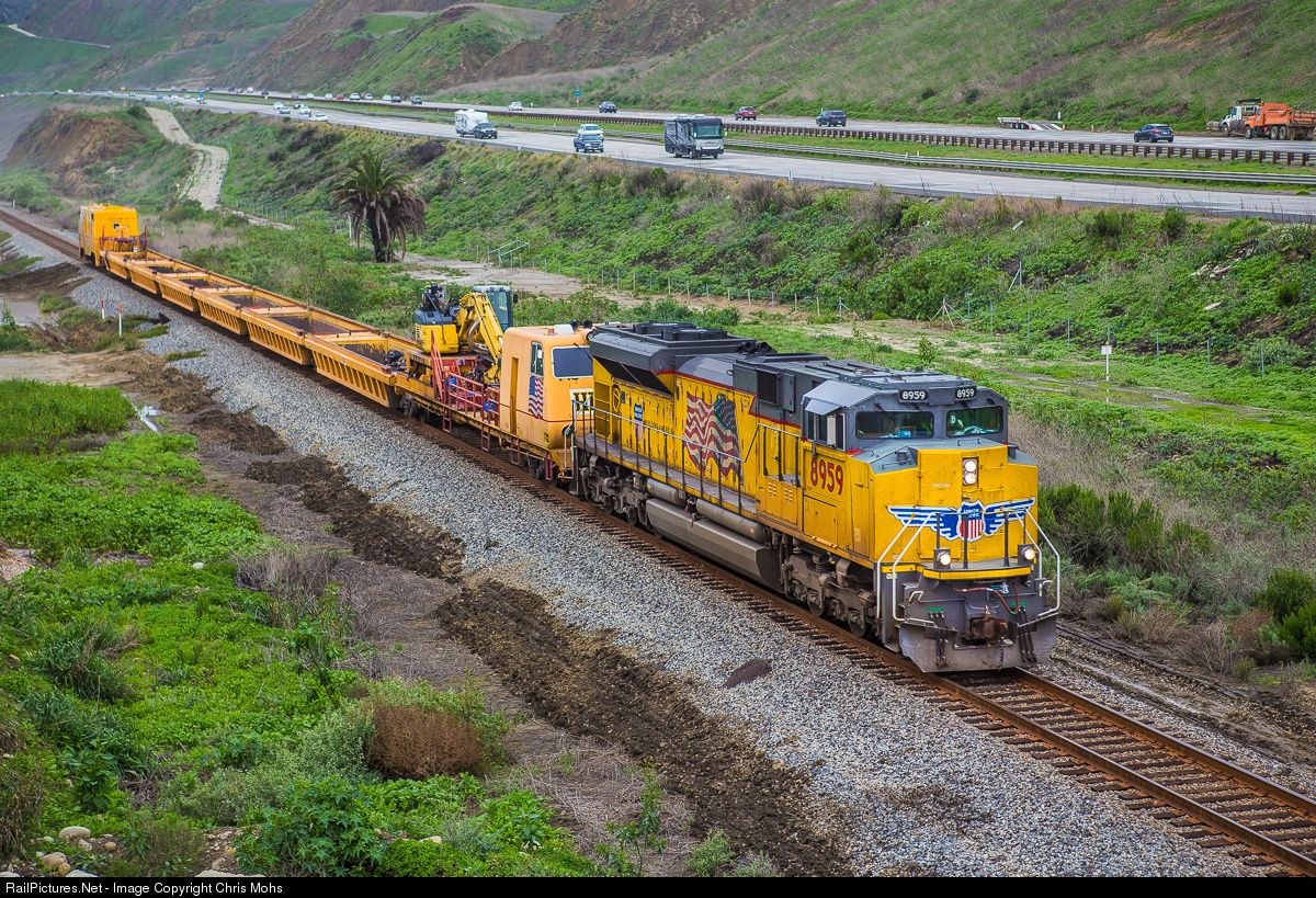 Railpictures Net Photo Up 8959 Union Pacific Sd70ah At Ventura