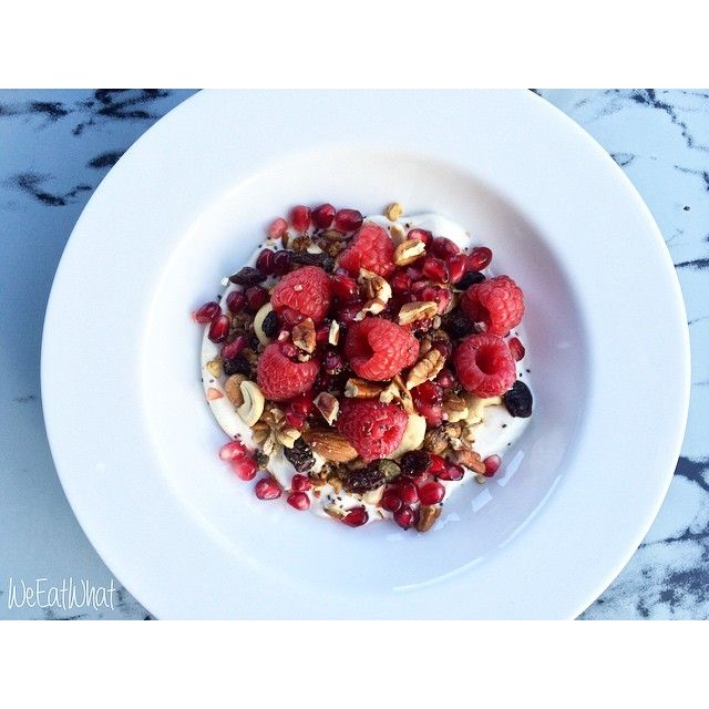 'Raw' Granola of Rolled Jumbo Oats, Mixed Nuts & Chia Seeds w/ Raspberries, Pomegranate & Yoghurt | WeEatWhat Health and Wellbeing FoodBlogger Recipes