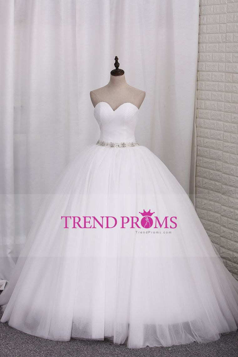 2017 New Wedding Dresses Tulle Ball Gown Sweetheart Ruched Bodice Lace Up Back