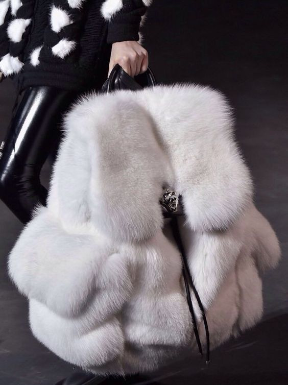 Hairy. Bag found at: https://www.pinterest.com/pin/242772236141709039 #fashion #styling #designer #fluffly