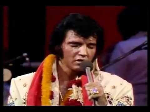 Lagrimas Escorrem No Rosto De Elvis Presley Cantando Gloria Gloria