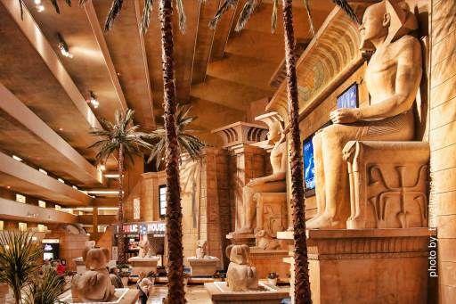 Luxor Hotel Lobby Las Vegas Attractions Pinterest