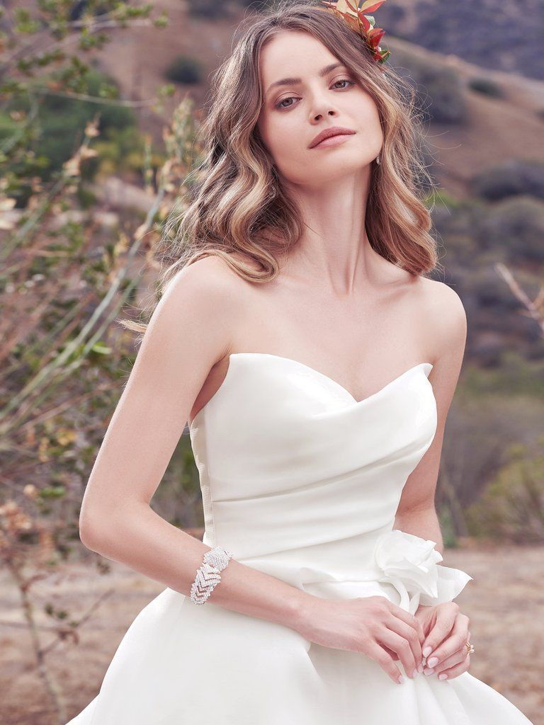 Increíble Darcy Wedding Dress Ideas Ornamento Elaboración Festooning ...