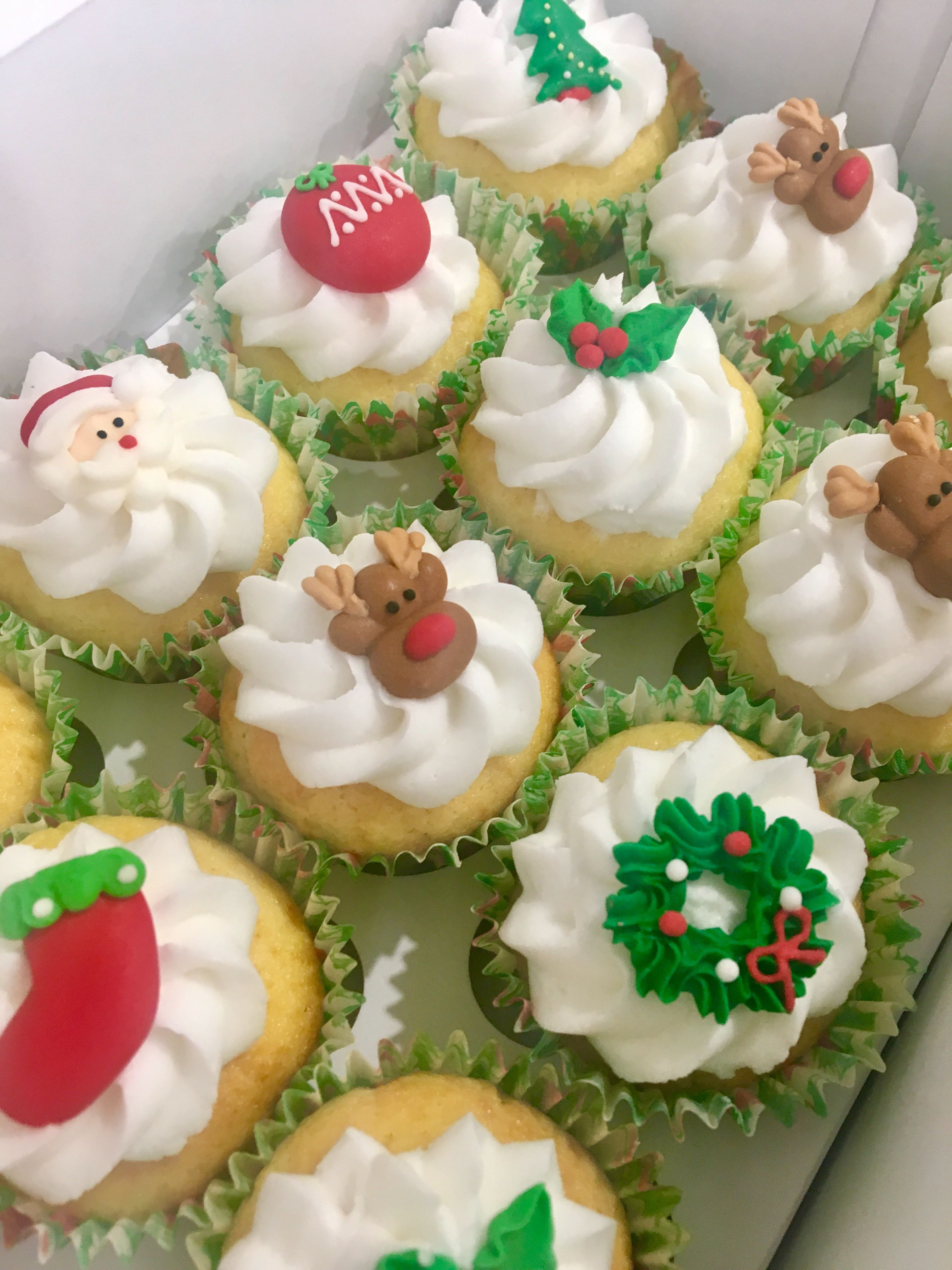 Pin by Sugar Craft by Rosie on Cakes Edible cups, Edible