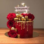 "C A K E S B Y M I L A on Instagram: ""Love this one 😍❤️ Red cake ❤️😍 #redcake #redbirthdaycake #love #redvelvetcake #red #redlove #goldcake #gold #birthdaycake #light #flowercake…"""