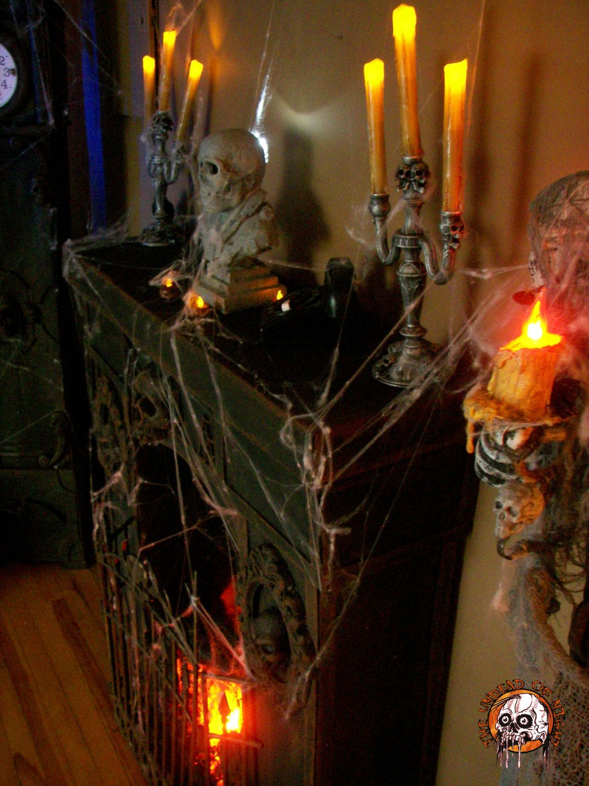 Cardboard fireplace side view    wwwhalloweenforum - Spooky Halloween Decorations