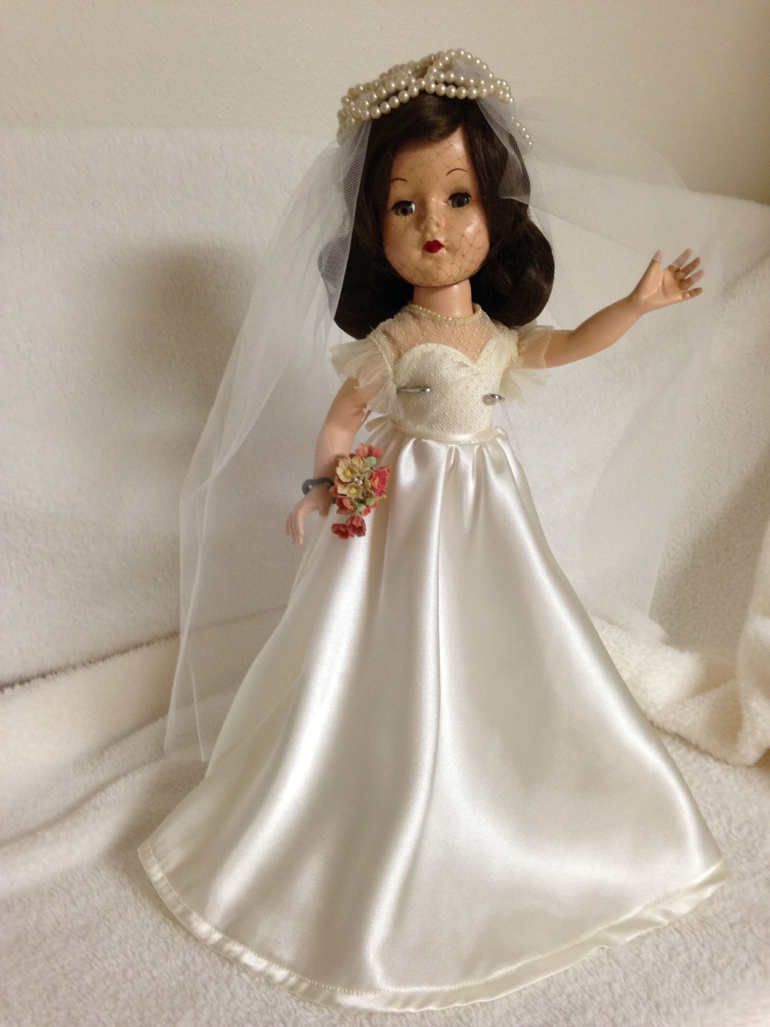 FOR SALE American Character Sweet Sue Bride1955. She is
