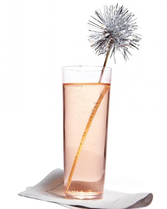 Fun for 4th of July parties: a DIY  tinsel topped swizzle stick feels like fireworks.