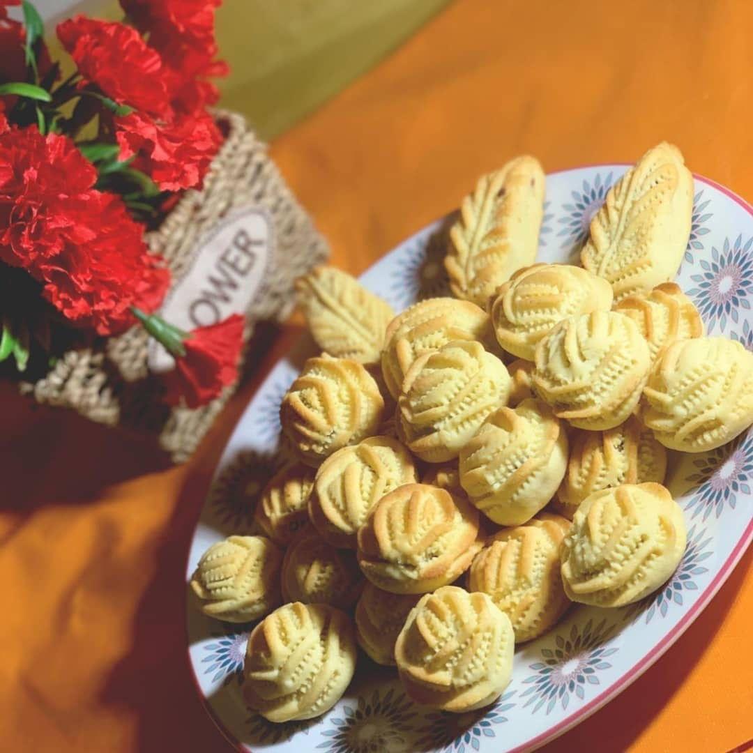 طريقة عمل معمول الكيري ر قي Mini Cupcakes Desserts Food