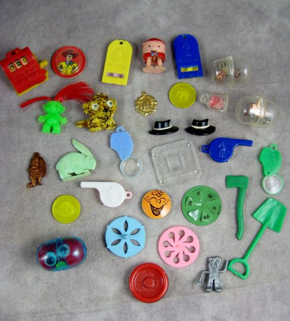 Vintage 30 Cracker Jack Toys Amp Assorted Plastic Charms