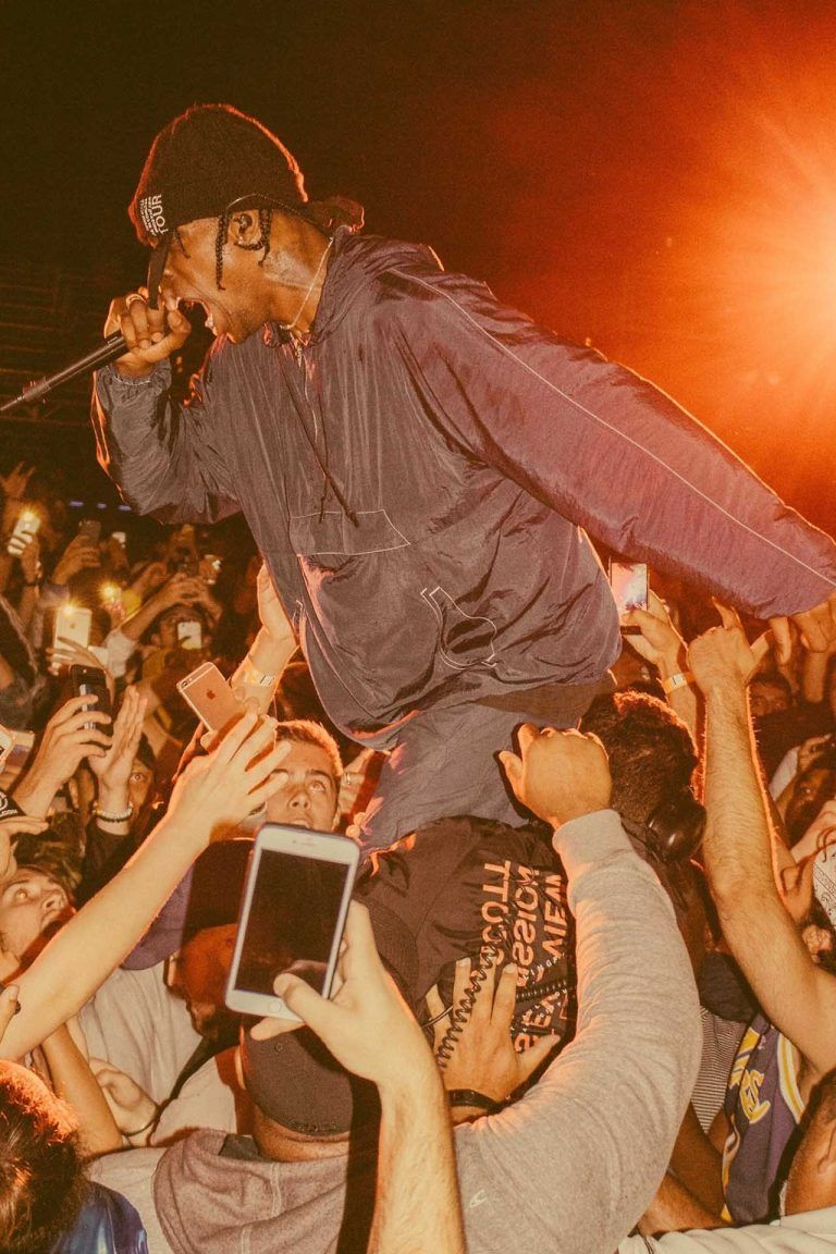 SET - Travis Scott Birds Eye View Tour 2017 - Set Store Photos #travisscottwallpapers