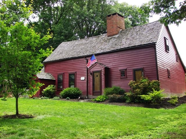 Built 1679 East Greenwich Rhode Island Colonial House Saltbox Houses Historic Homes