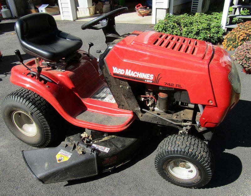 Yard Machines By Mtd 742rl Riding Lawn Mower In Very Good