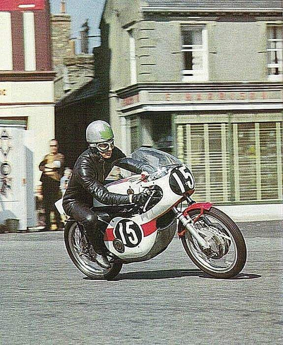 BILL IVY 1967 Yamaha 125 Motorcycle Racing PICTURE CARD