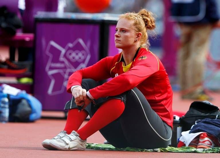 Pin By Leichtathletik On Betty Heidler Sports Women Athletic Events Female