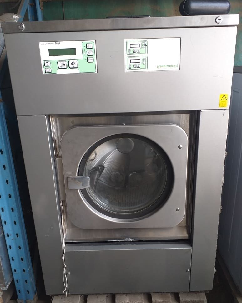 One Time Opportunity 18kg Grandimpianti Washing Machine Available On Hand First Grade Fairly Used Clean In 2020