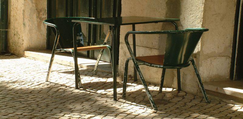 Cafes In Lisbon –Cafe A Brasilieira. Hg2Lisbon.com.