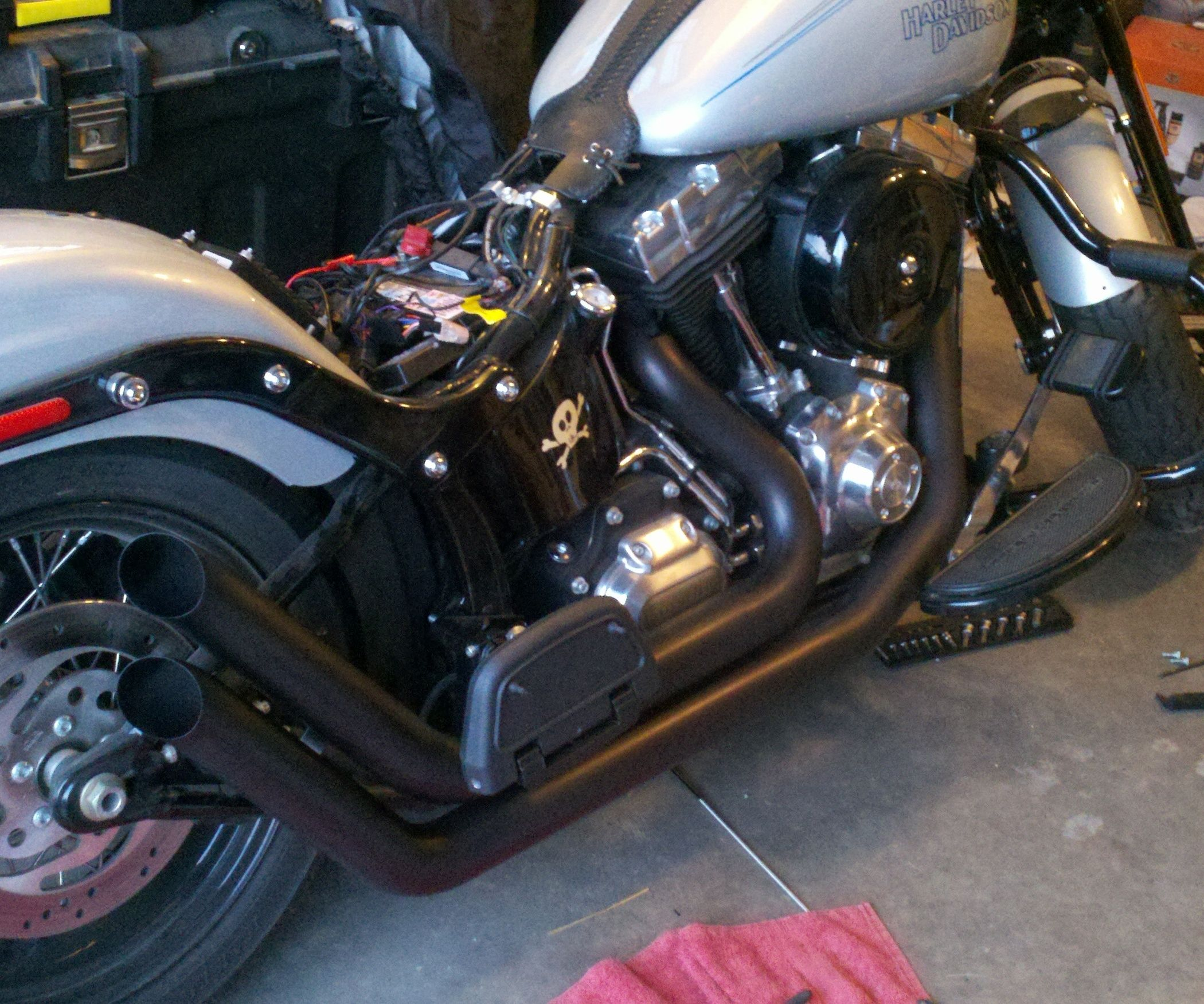 How To Repair And Repaint Motorcycle Exhaust Pipes With Images Motorcycle Exhaust Pipes Bike Repair Motorcycle Exhaust