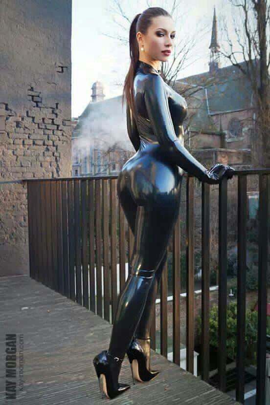 b7f7bf2a59a6b Latex Catsuit   Extreme Fetish Heels