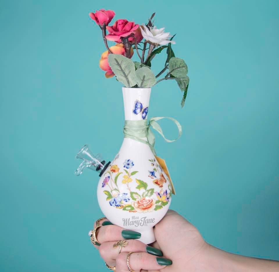Ms butterfly by my bud vase is such a beautiful piece a ms butterfly by my bud vase is such a beautiful piece a reviewsmspy