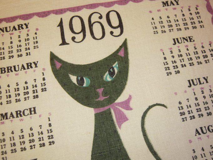 Vintage 1969 Calendar Towel Siamese Cats Greet A New Year