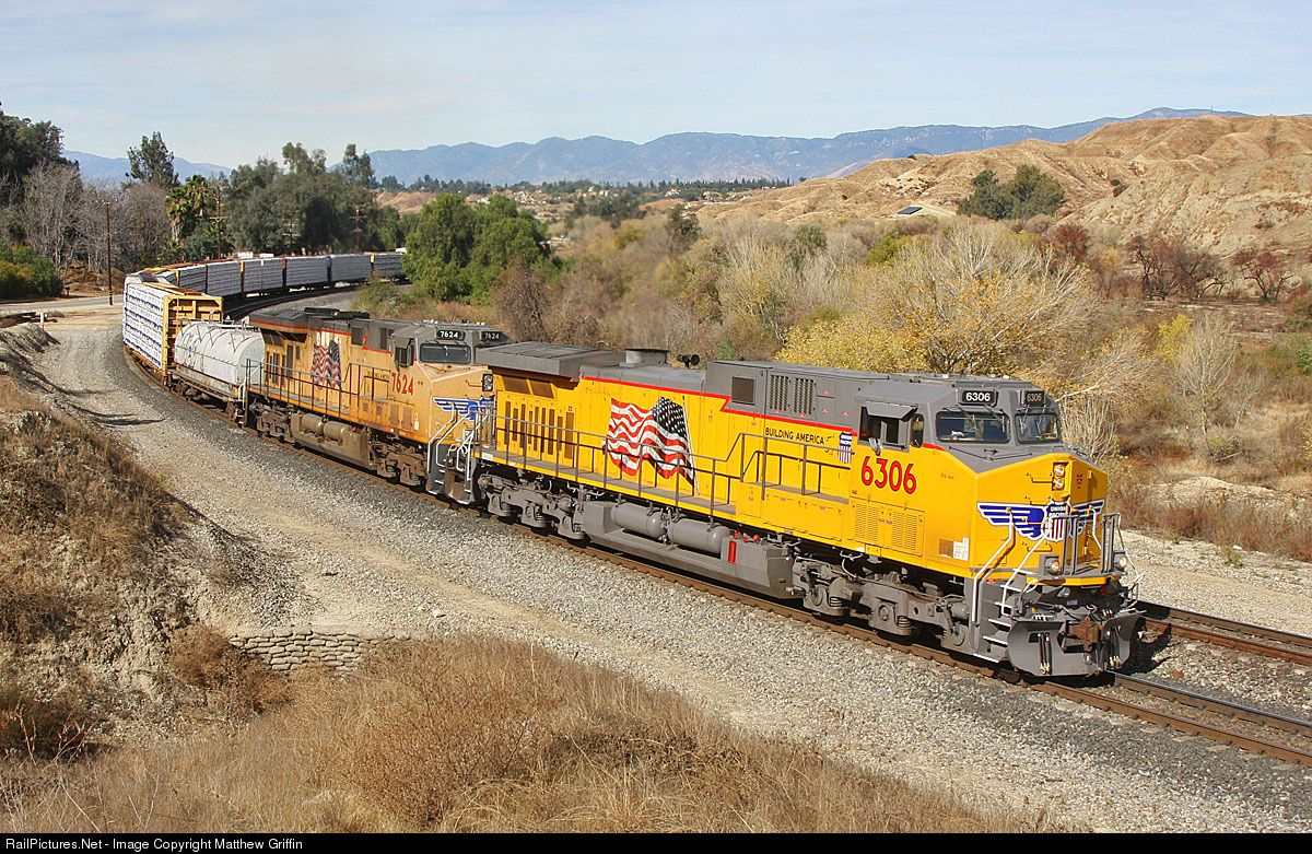 Railpictures Net Photo Up 6306 Union Pacific Ge Ac4400cw At San Timoteo Canyon California By Mat Union Pacific Train Union Pacific Railroad Railroad Pictures