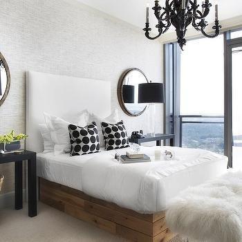 Lonny Magazine Master Bedroom   Google Search Schwarzer Kronleuchter,  Modernes Schlafzimmer, Schlafzimmerdeko, Glam
