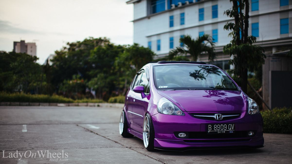 Indonesian Honda Fit stanced
