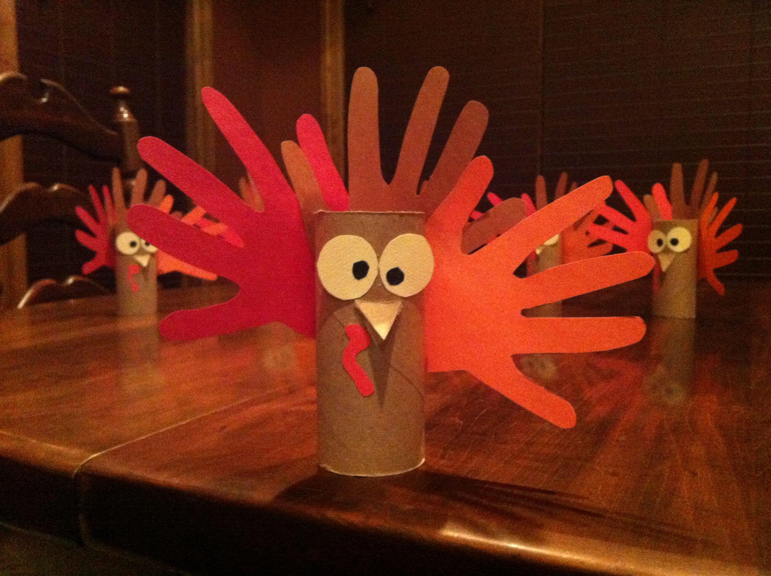 Kid-Friendly Thanksgiving DIY Napkin Rings | Your Linen ...  |Toilet Paper Turkey