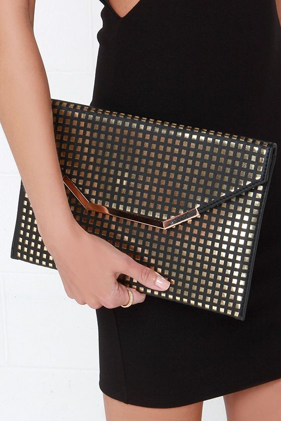 Charisma Queen Gold and Black Envelope Clutch at Lulus.com!