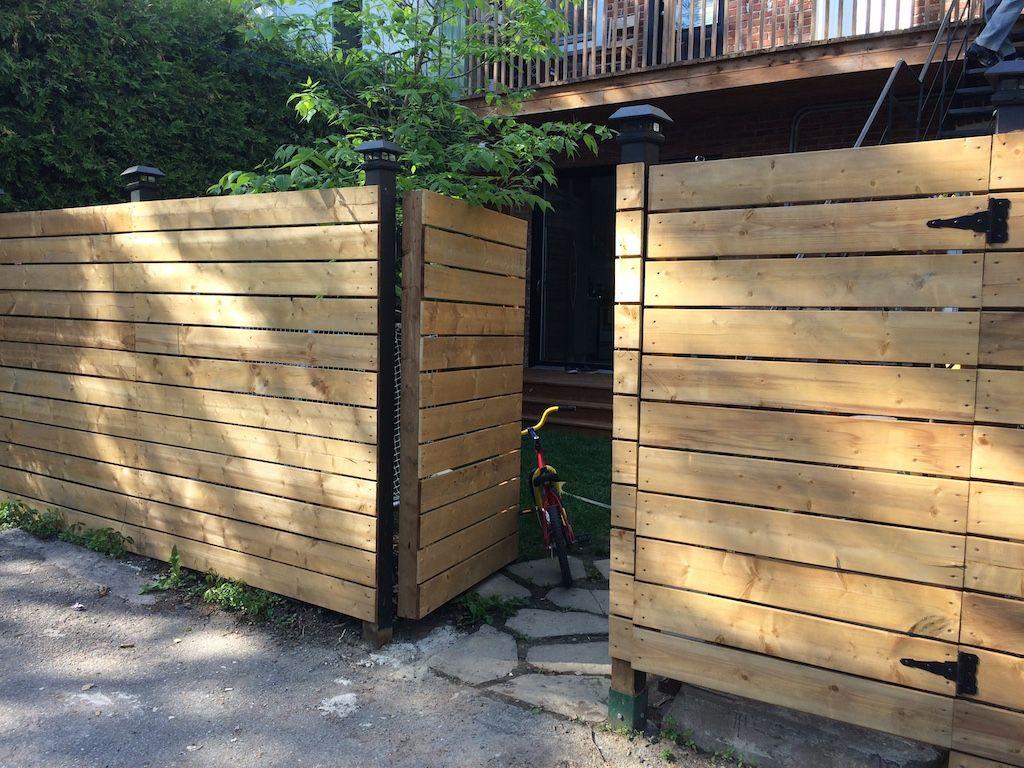 Comment On A Construit Notre Cloture En Bois Horizontale Cloture Bois Cloture Jardin Bois Et Portillon Bois