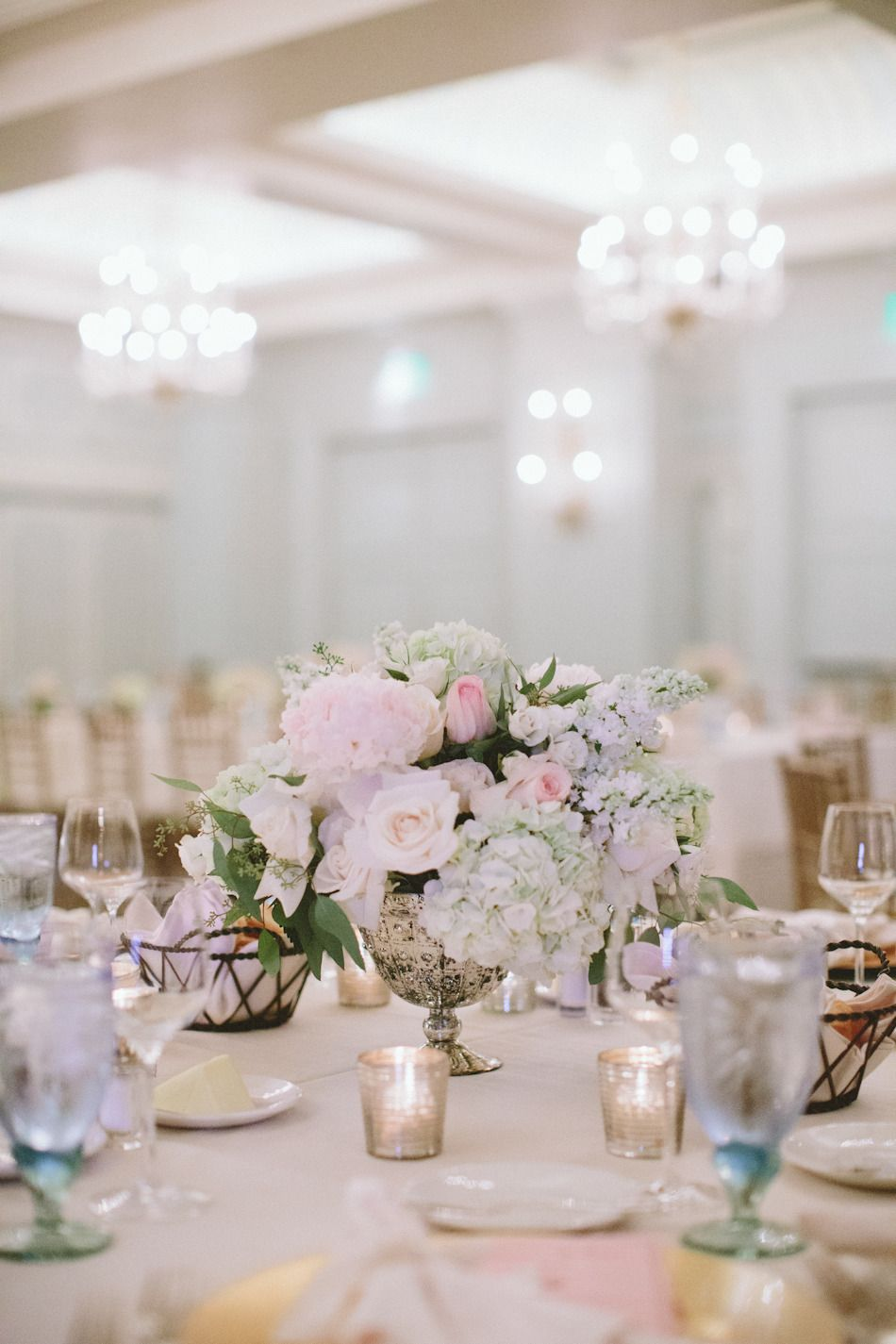 Pastel Glamour in Santa Monica | Glass centerpieces, Centrepieces ...