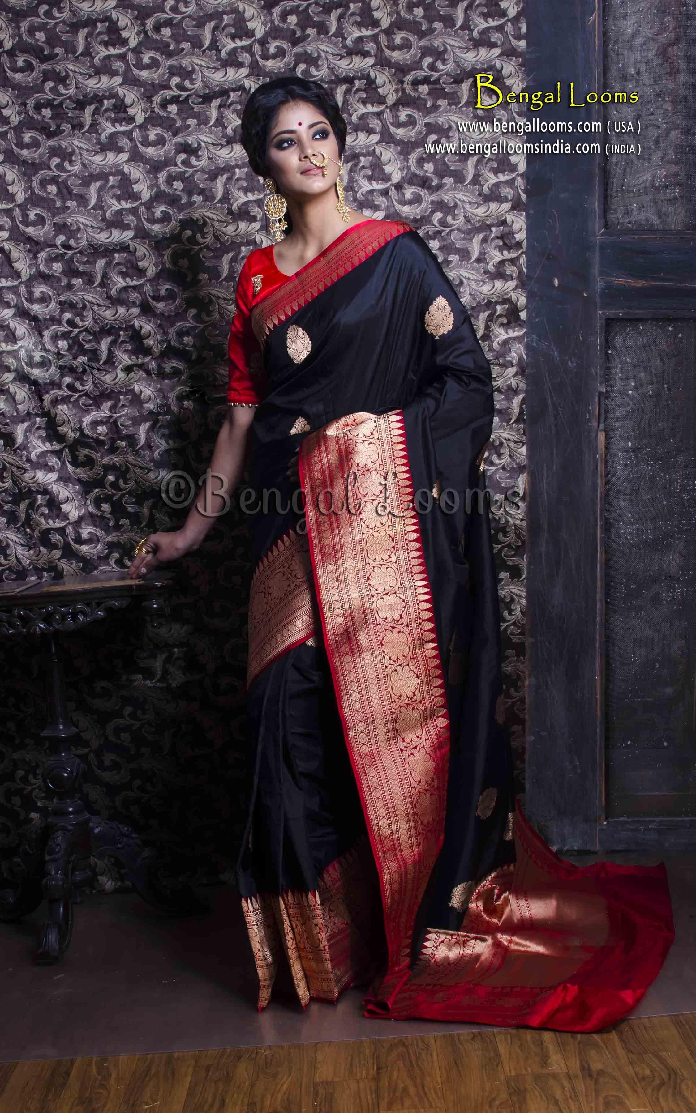 fdfb30ca2 Pure Handloom Katan Silk Banarasi Saree in Black and Red   blouse1 ...