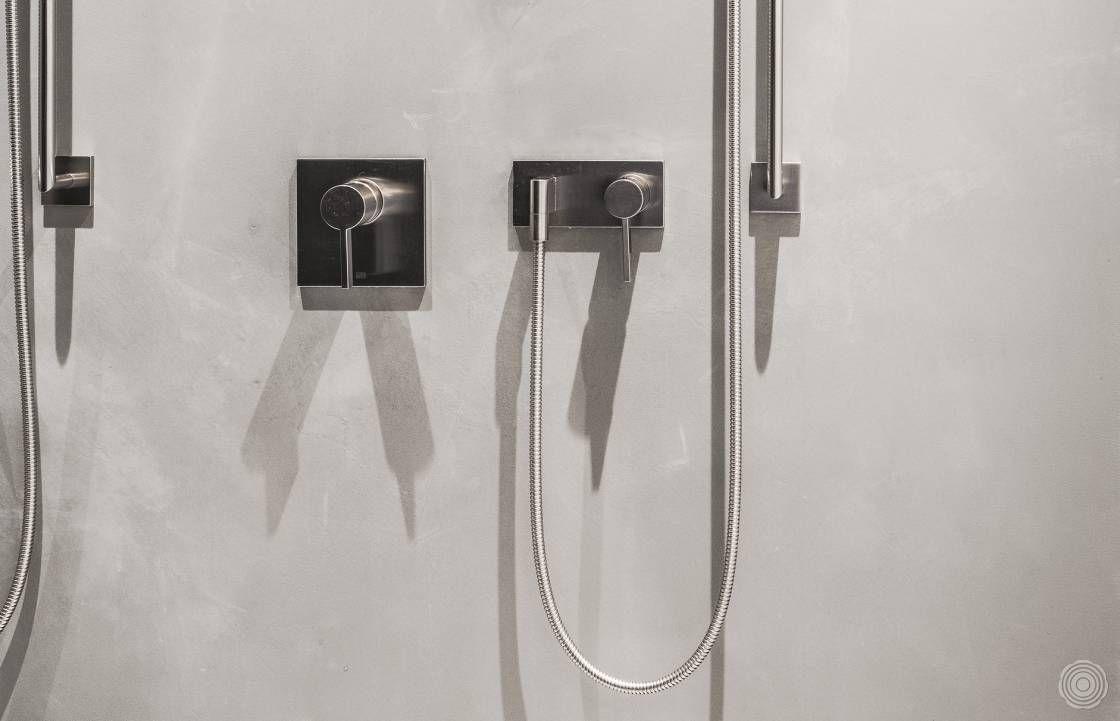 Fur Die Senso Wand Waren Wir Auf Der Suche Nach Einer Fugenl Beton Look Badezimmer Bad