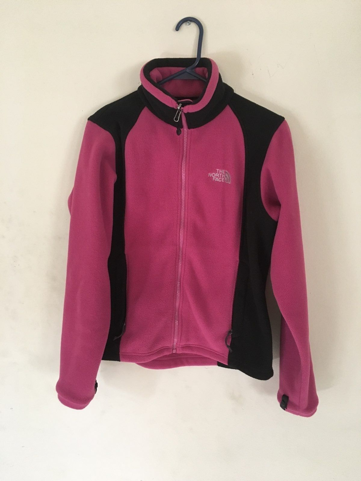 Pink And Black The North Face Fleece Jacket Fits Like A Women S Medium Will Post More North Face Fleece Jacket North Face Resolve Jacket North Face Jacket [ 1600 x 1200 Pixel ]
